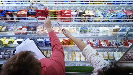 Роспотребнадзор пригрозил уголовным преследованием зафальсификат продуктов
