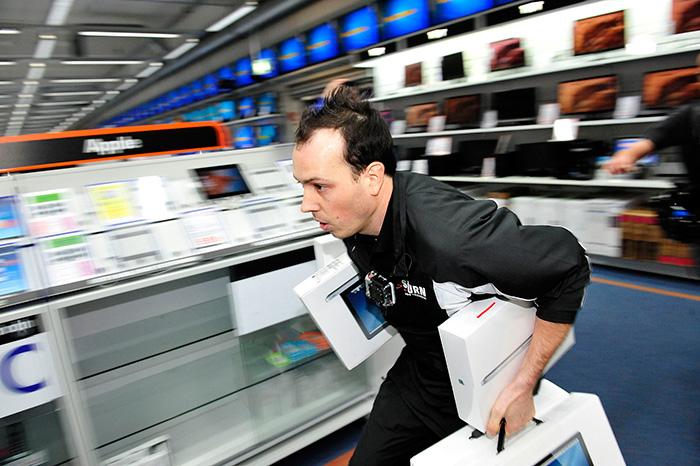 Продавцы техники предупредили опересмотре цен из-за падения рубля